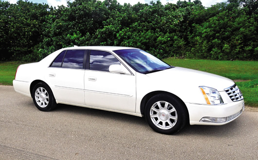 CADILLAC STS LUXURY SEDAN